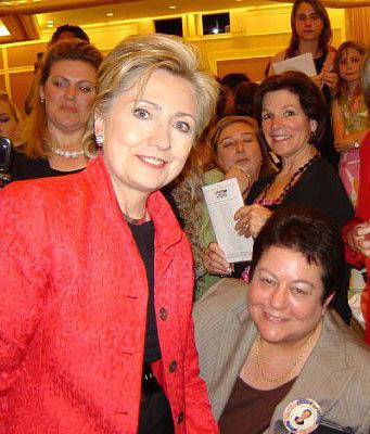 12215275036_34644191ab_Hillary-Clinton