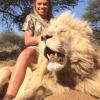 "Vater der Löwen-Jägerin Kendall Jones verteidigt Cheerleaderin: Die Jagd ist ""human""…"